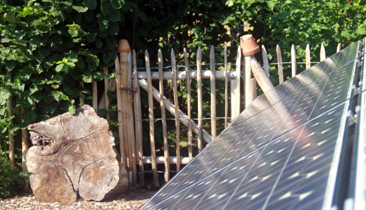 solaranlage garten beautiful solaranlage garten w v solar. Black Bedroom Furniture Sets. Home Design Ideas